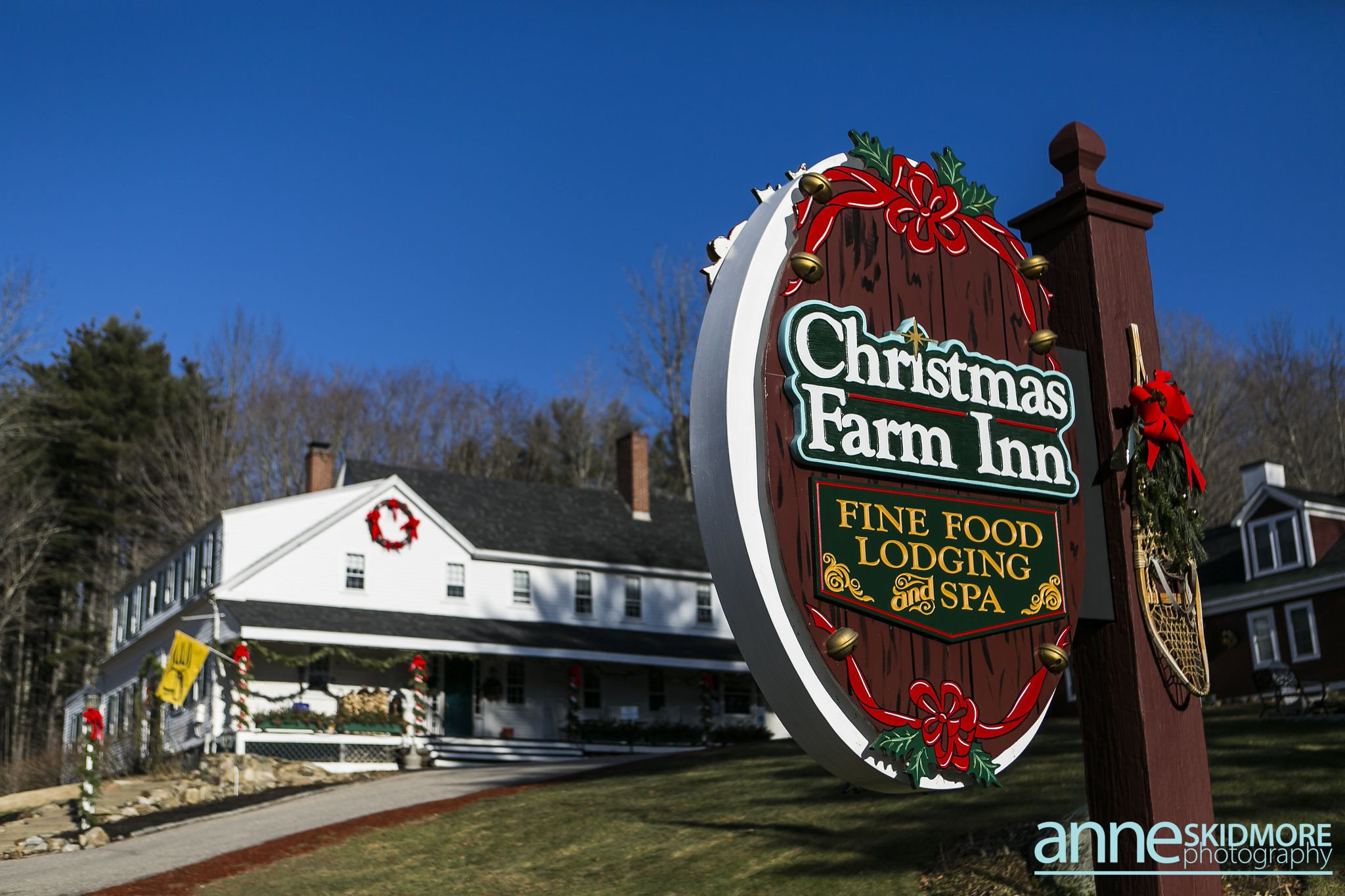 When You See Our Iconic Sign You Know Your Excitement Can Begin Christmas Farm Winter Fun Inn