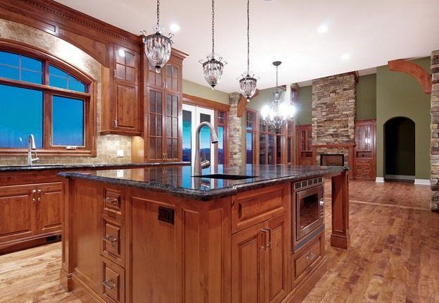 The BEST Kitchen Wall Color For Oak Cabinets   Kitchen ...