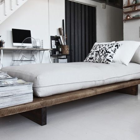 HOME DZINE | DIY Furniture Ideas   The Design For The Day Bed Is Super