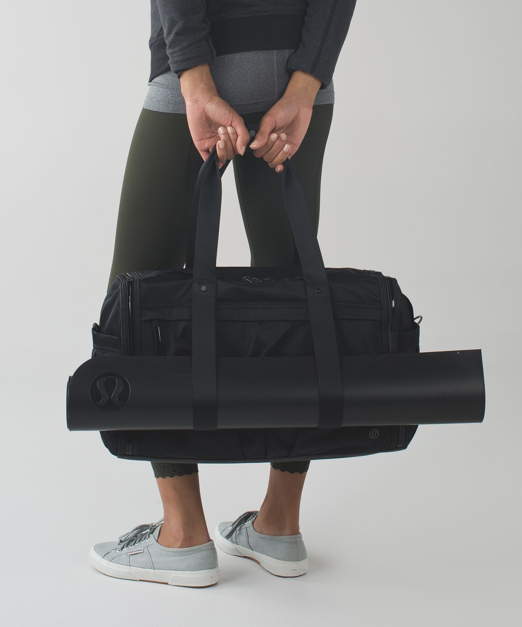 Forget Packing Light This Roomy Duffel Fits Everything You Need With Room To Spare Gym Bag Yoga Bag Bags