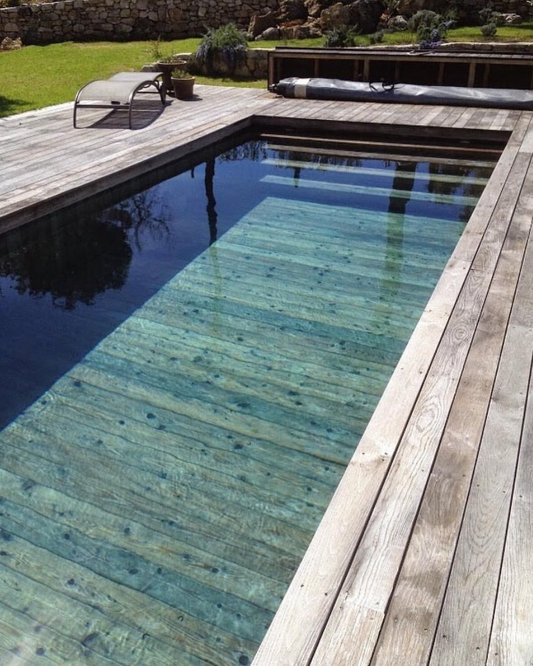 Have You Ever Seen A Wooden Pool With The Rise Of Amazing Wood Texture Tiles We Re Looking At You Earpbros We Can Wooden Pool Pool Houses Diy Swimming Pool