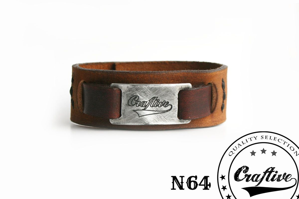 Genuine handmade leather #bracelet with a handmade Craftive aluminum tag and a comfortable bronze button. It's a simple bracelet which embraces both the rustic and the urban... #bands_merchandising #cuffs #custom_leather_cuff #engraved_bracelet #fashion_jewelery #free_shipping #genuine_leather #jewelry #leather_cuff #leather_metal #leather_wristband #merchandising #my_name_cuff #rustic_industrial