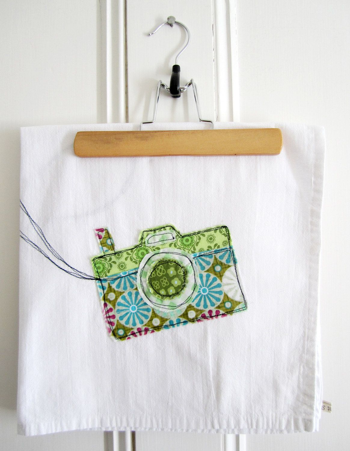 Appliqued Camera Tea Towel - 100% Cotton via Etsy | aplicaciones ...