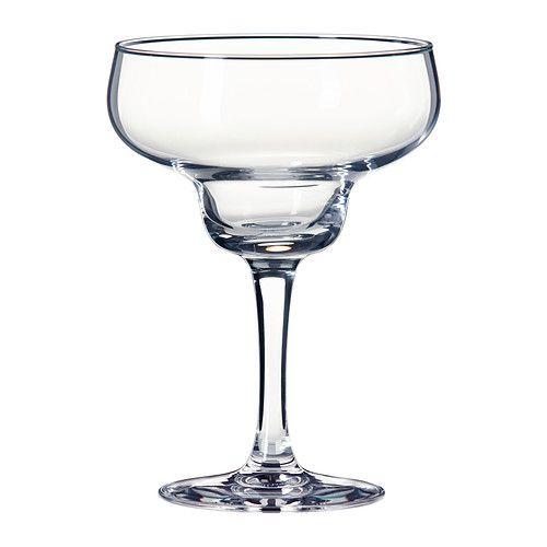 IKEA - FESTLIGHET, Margaritalasi, Matalan, laakean ja suuren maljan ansiosta lasissa on hyvin tilaa jäille. Tämän ansiosta margarita voidaan nauttia jääkylmänä, jolloin juomanautinto on parhaimmillaan.