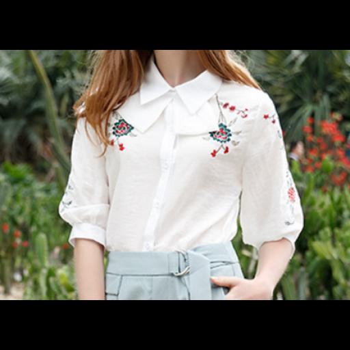 بلوزة بيضاء صيفي بالأزهار الصغيرة المتفرقة Small Rose Fashion