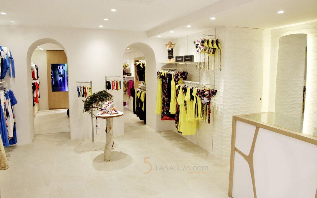 Bayan Giyim Duvar Raf Sistemleri Raf Tasarim Duvar