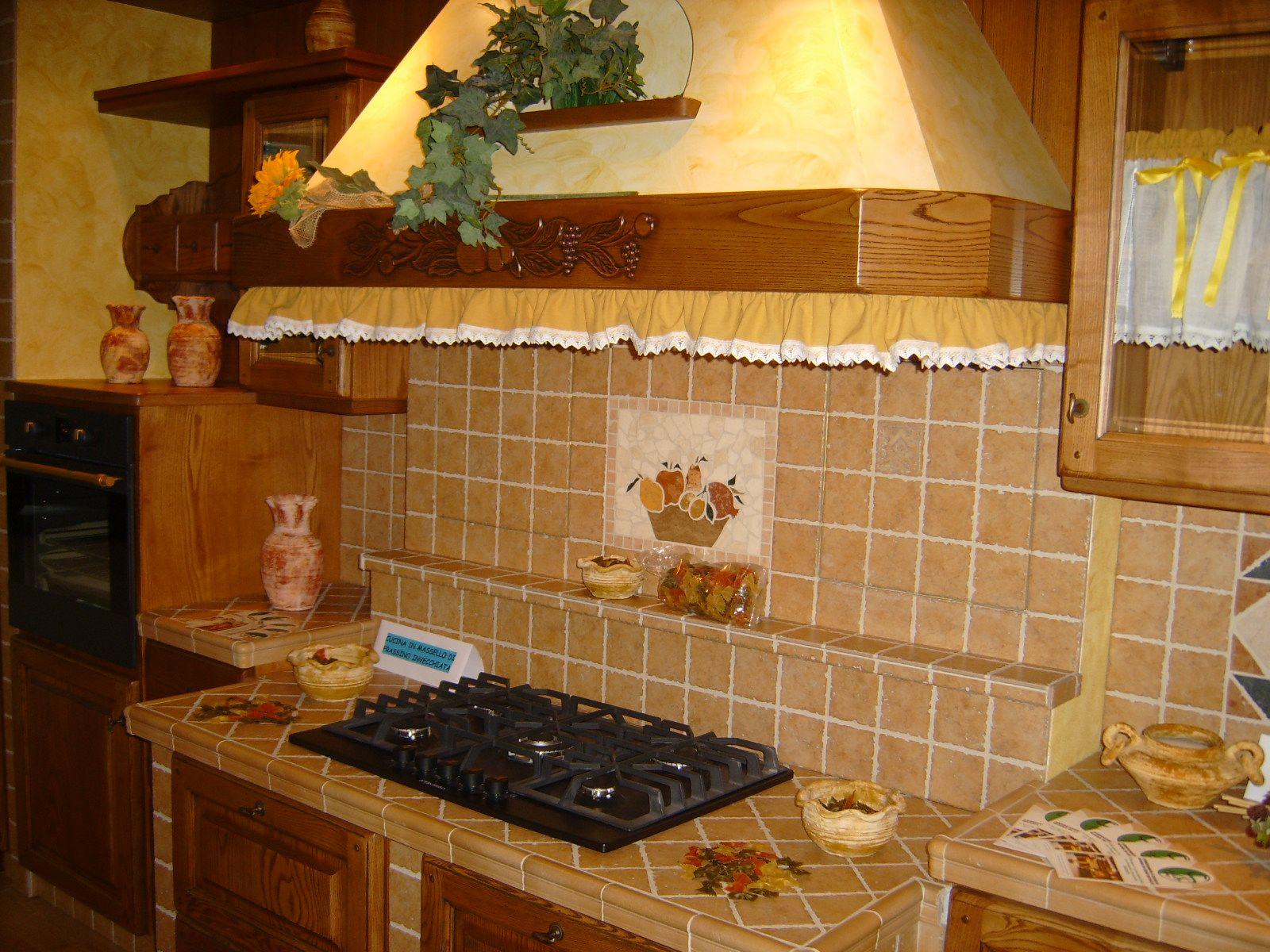 risultati immagini per cucina arte povera pavimento legno