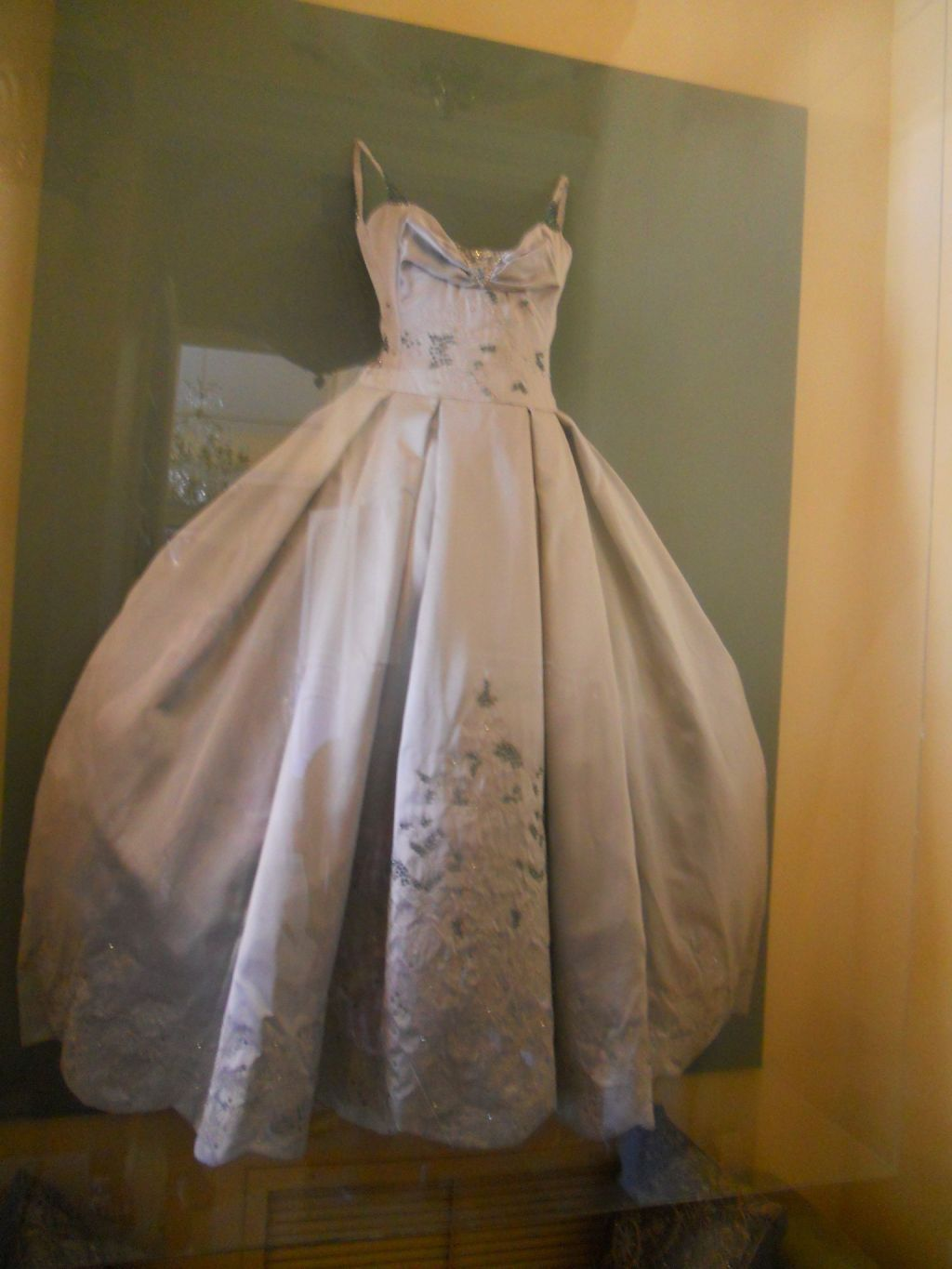 Put your wedding dress behind glass. For those who have huge closets, why not put your dress, veil, shoes, etc. into a shadow-box and put it on display. Imagine getting ready each day and getting to see your beautiful gown in a protective glass case in your walk-in-closet or vanity area.