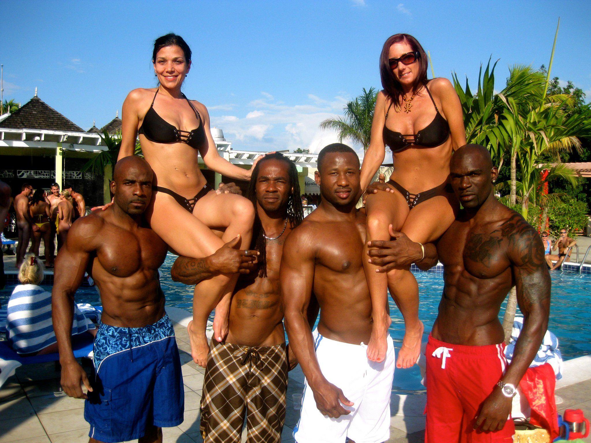 Pin Taulussa Black Men  White Women-6450