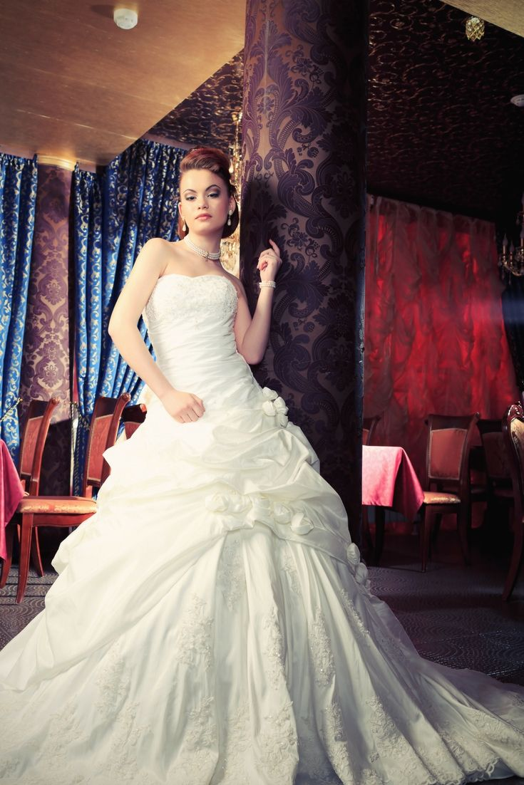 The best wedding dresses collections looking for the latest bridal
