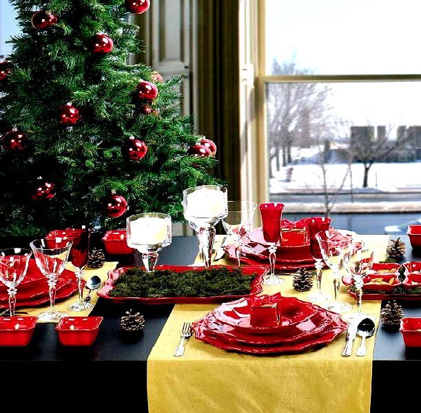 red color Christmas Dinner Table Decoration, Photo red ...