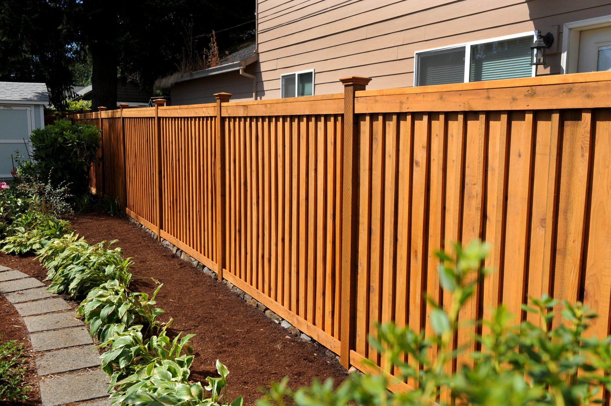 Cedar Wood Fences Oregon Washington Rick S Custom Fencing Decking Cedar Wood Fence Wood Fence Design House Fence Design
