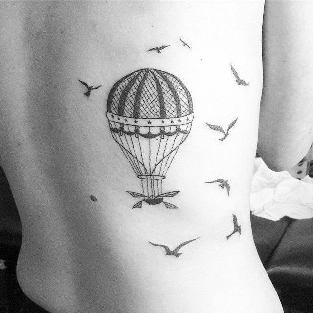 tattoo tatouage dotwork handmade handpoke balloon montgolfi re oiseaux birds. Black Bedroom Furniture Sets. Home Design Ideas
