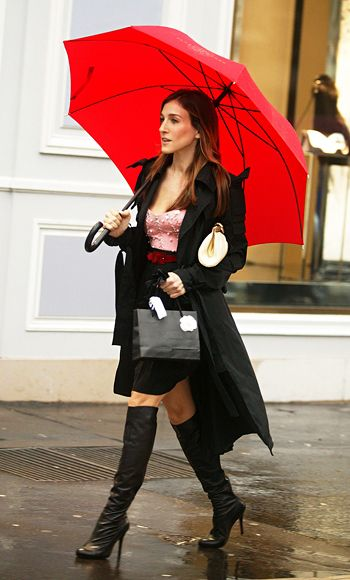 """Shopping in Paris, Carrie wore a pink Betsey Johnson bustier, Lanvin coat and knee-high boots (which were to blame for a horrifying tumble in the exclusive Dior boutique). Said Weinberg: """"The boots compromised the outfits sophistication, and the bustier stood out. This all looks a little bit mismatched to me, which was obviously purposeful."""" Agreed Rubenstein: """"Carrie never did anything accidentally—she knows exactly what she's doing!"""""""