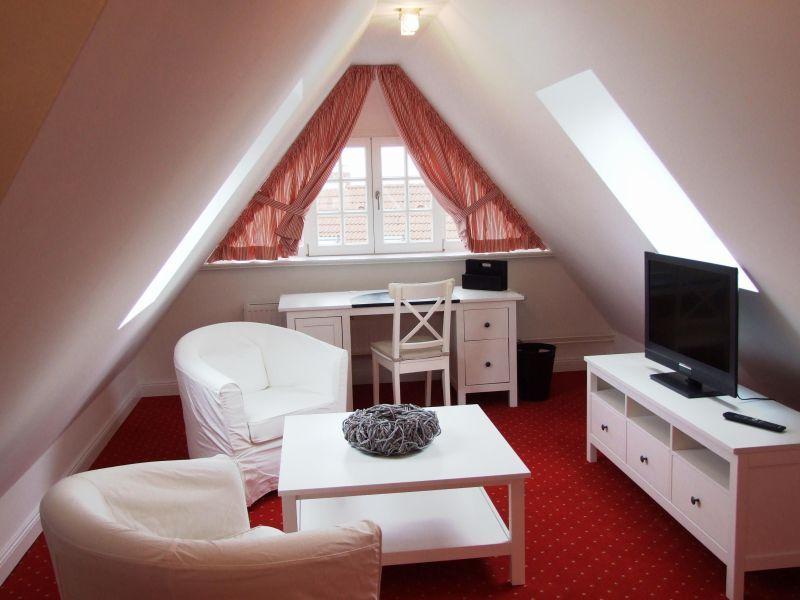 http\/\/wwwmare-immobiliende\/ferienhaus-neubauvilla-am - esszimmer in der alten post weinheim