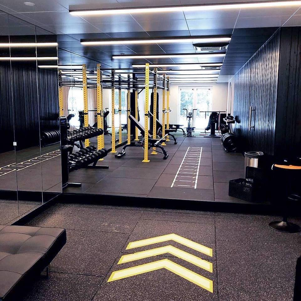 Neoflex Premium Gym Tiles At Unit Personal Training In Tielt Belgium Courtesy Of The Team At Perform Better Bene Gym Interior Gym Design Interior Gym Design