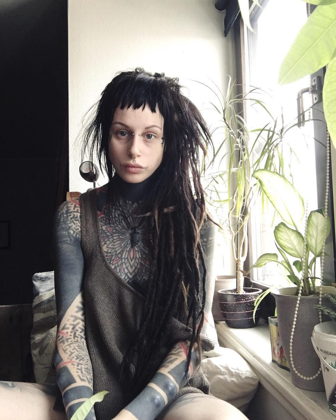 Emmy Salvitore Nude Photos 28