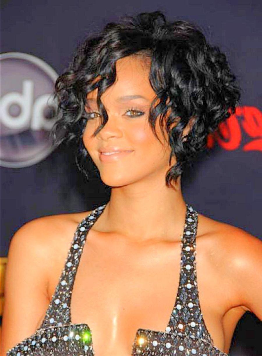 Rihanna Short Hair Curly Google Search Rhianna Short Hair Short Hair Styles 2014 Rihanna Short Hair