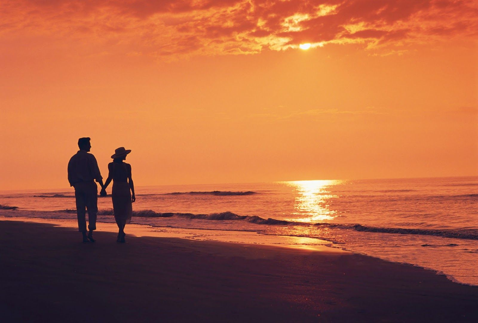 Tu Quien Eres Beach Silhouette Night Sea Sunset Silhouette Couple walk in beach love wallpapers hd