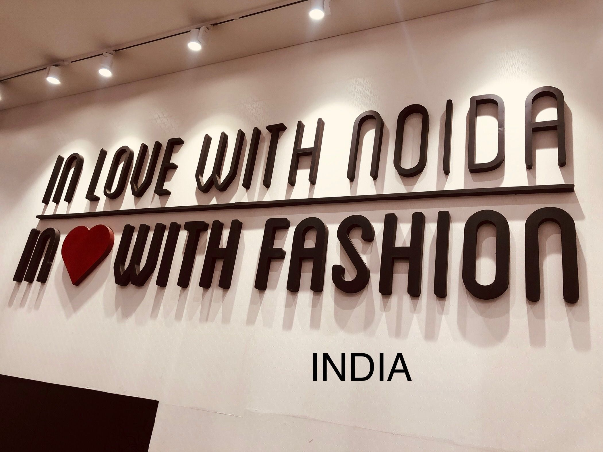 indiaview DLF mall of India (No one shopping mall in noida