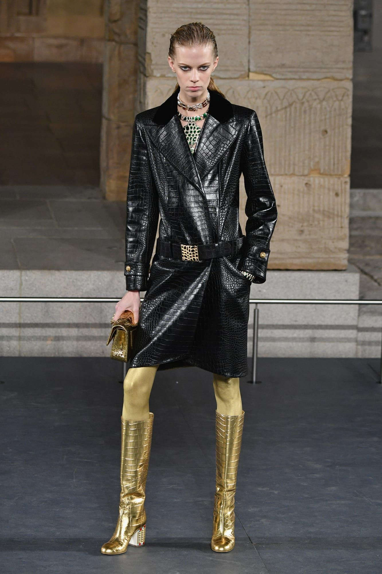 2019 year lifestyle- Metiers chanel darts pre-fall collection