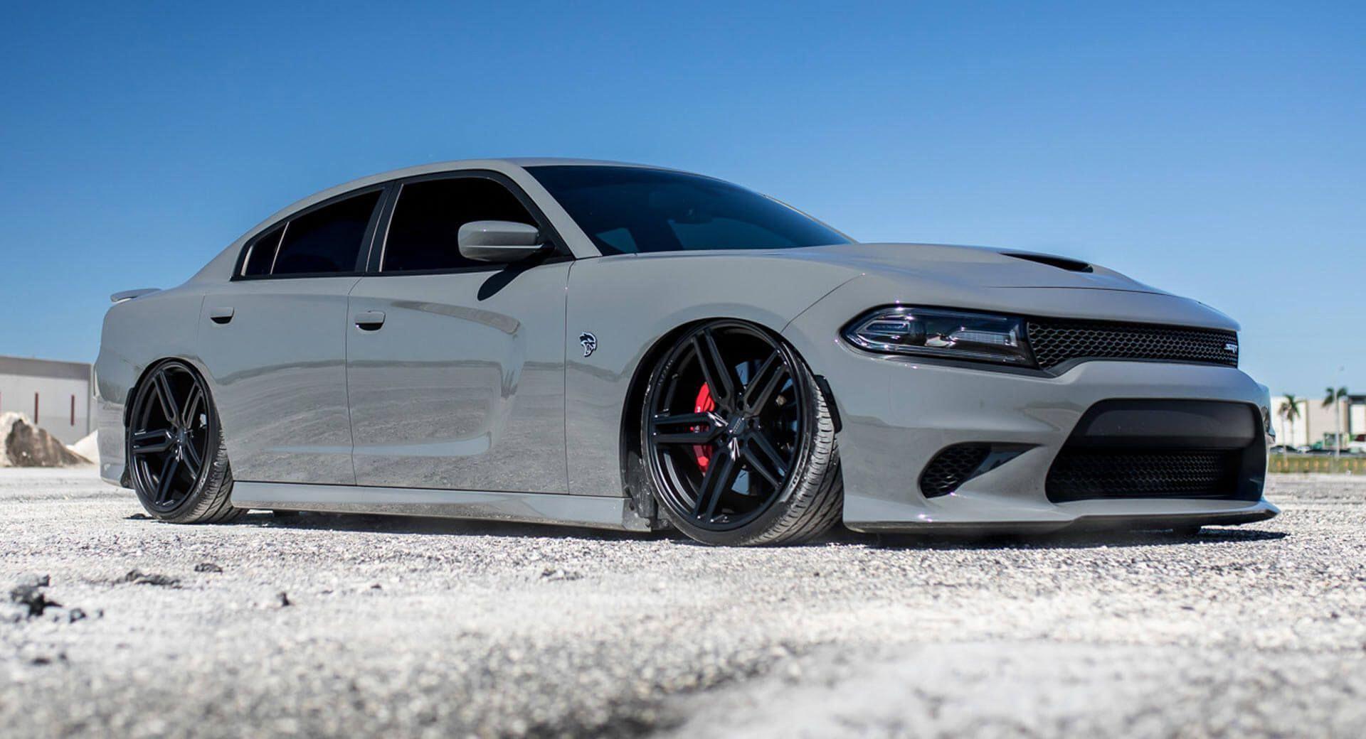 Dodge Charger Srt Hellcat Gets Ultra Low Suspension New Wheels Carscoops Dodge Charger Srt Charger Srt Hellcat Charger Srt