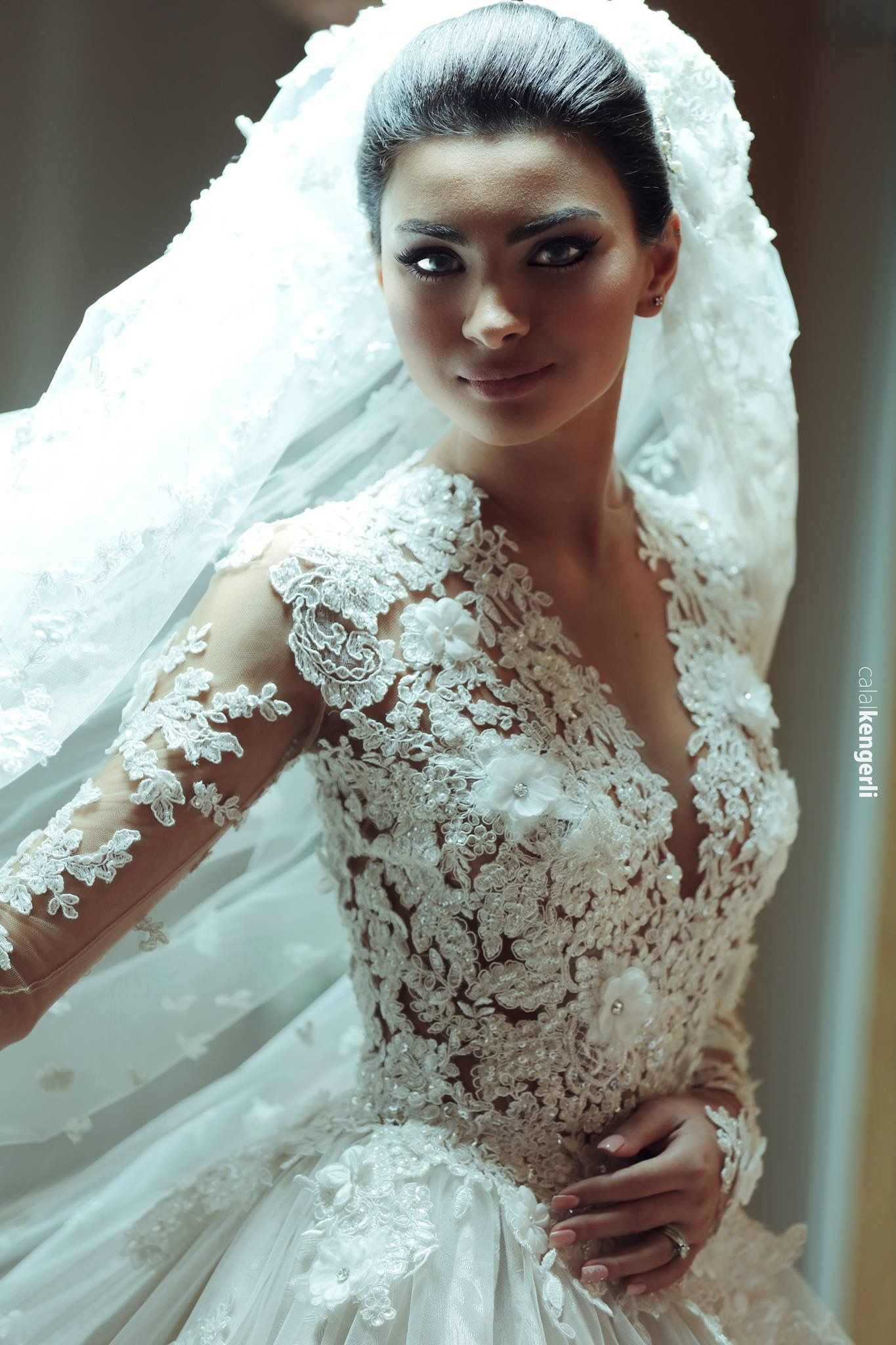 Pin by Diane * on Exquisite wedding gowns | Pinterest | Wedding ...