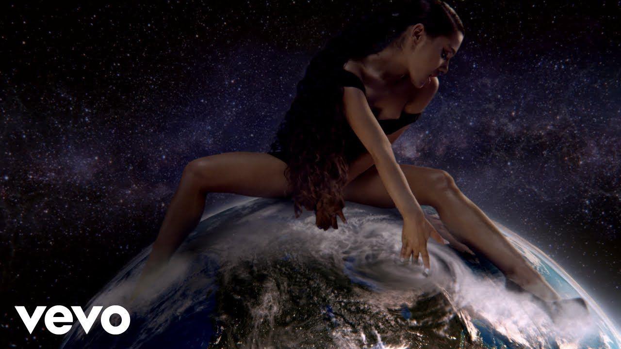 Ariana Grande God Is A Woman Youtube Ariana Grande
