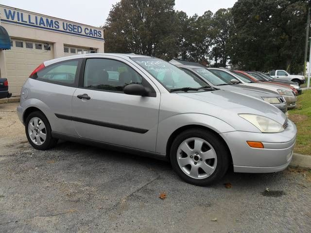 This Is A Silver 5 Speed Manual 2001 Ford Focus Zx3 With 210 175