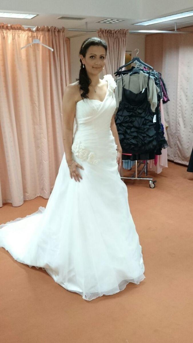 ♥ Tomy Mariage Hochzeitskleid mit Rosenträger ♥ Ansehen: https ...