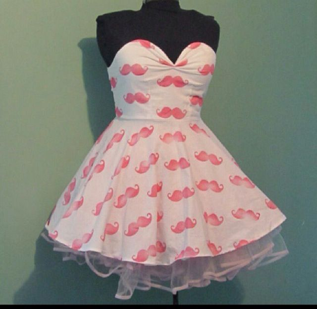 "((Be A Guy)) I screamed happily at what was infront of me, it was my birthday and he had gotten me a Markiplier dress. I didn't know what it ment, ~Maybe he is taking me on a date?~ or ~Maybe he just loves me enough to get this.~ I laugh at the second thought ""Totally not the second one."" I said to myself, he walks in and smiles and says ""Happy Birthday Kat."""