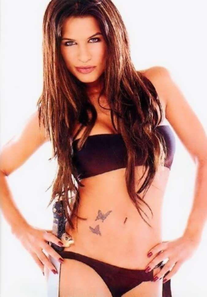 rhona mitra hot bikini pics