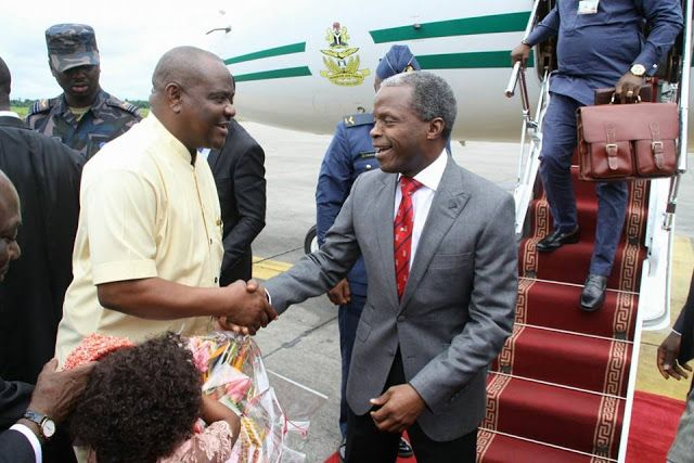 GOSSIP, GISTS, EVERYTHING UNLIMITED: PHOTOS- VP Osinbajo Lands In Rivers State To Atten...