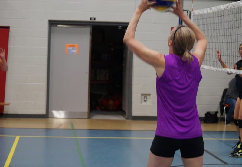 7 Best Volleyball Plays For Beginners Volleyball Skills Volleyball Training Volleyball Setter