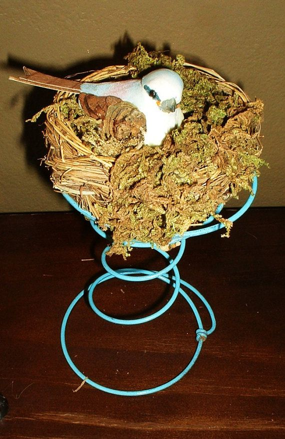 Upcycled Rusty Bed Spring to Sweet Bird & Nest by
