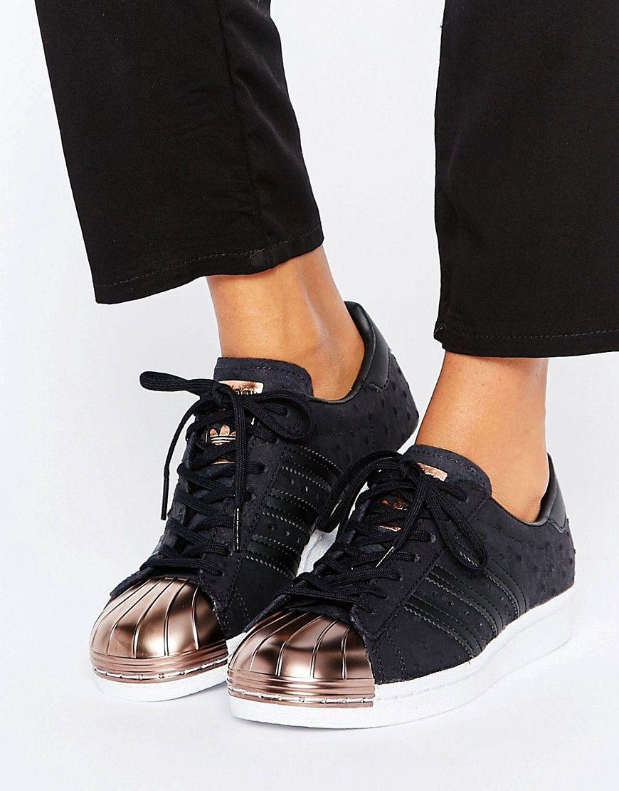 cheaper 15ffc ba4b7 Zapatillas de deporte en negro metalizado con puntera en dorado rosa Superstar  de adidas Originals. Zapatillas de deporte de Adidas, Exterior de tela, ...