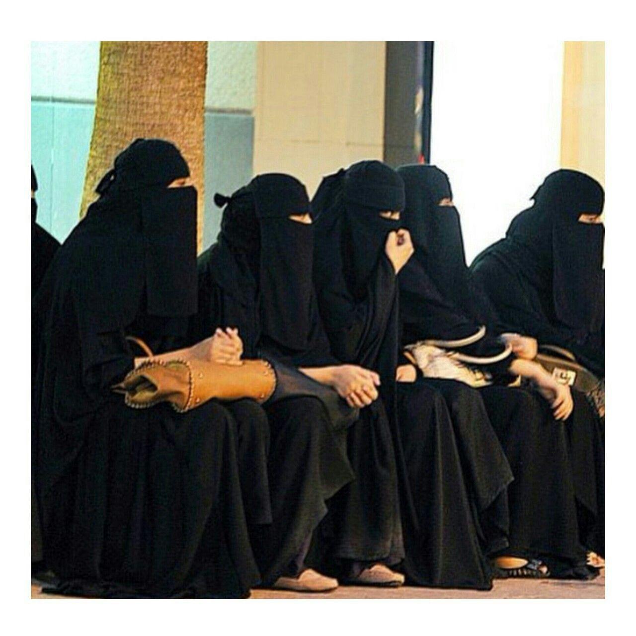 Pin By Dr Abdul On Hijabi Girl Women Saudi Arabia Women Vote