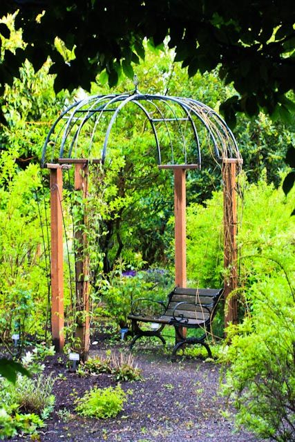 A Peaceful Place to Sit | Gardens at the Village Green Resort ...