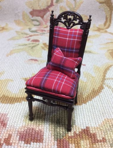 Chair Seat in Plaid with Pillow 1:12 Dollhouse Miniature