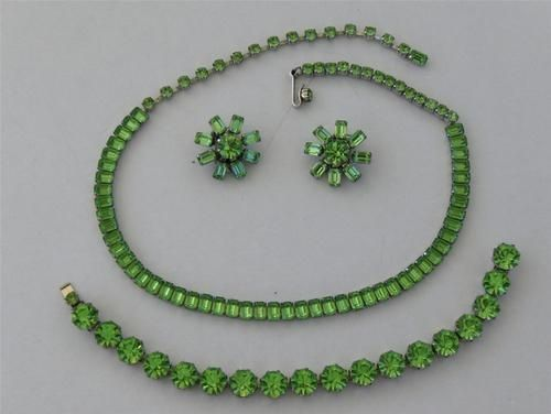 vintage lime green jewelry sets   Vintage Weiss Lime Green Rhinestone Demi Parure Necklace Bracelet ...