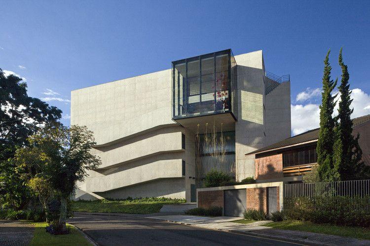 Casa RB  / Marcos Bertoldi Arquitetos, © Alan Weintraub