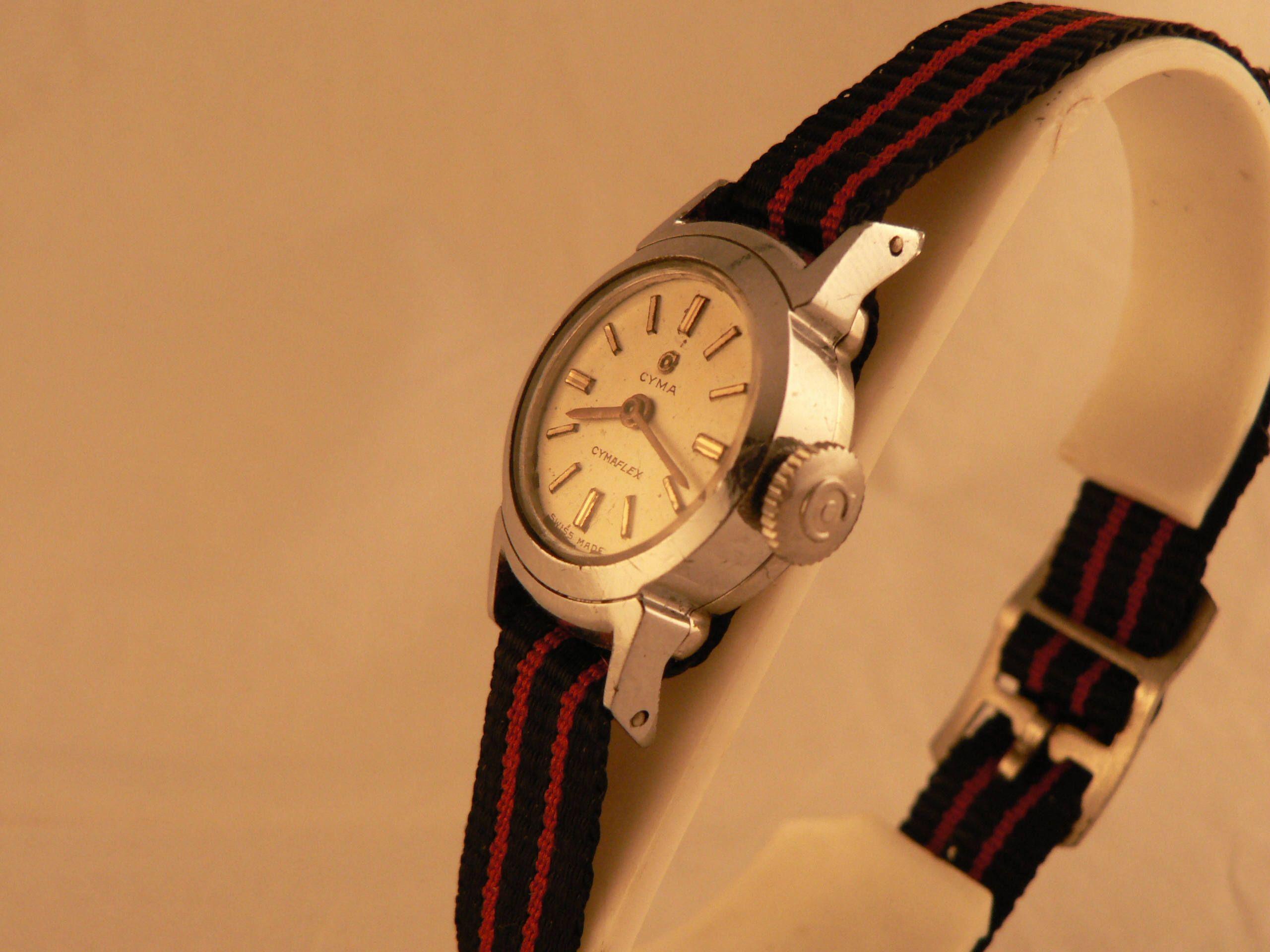 VintageLadies Cyma Cymaflex Wrist Watch 17 J Swiss Made Ca 1950s
