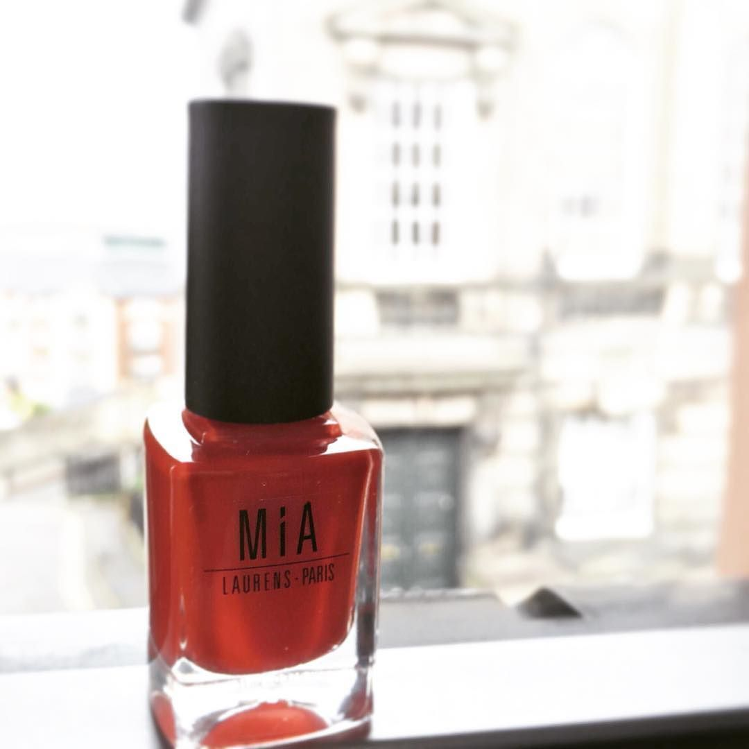 MIA Laurens-Paris has arrived to the UK!!!!!!! with an amazing range of colours and it's exceptional 5-FREE formula!!!!!!!#thisisedinburgh #scotland #mialovesnails by m_mleal