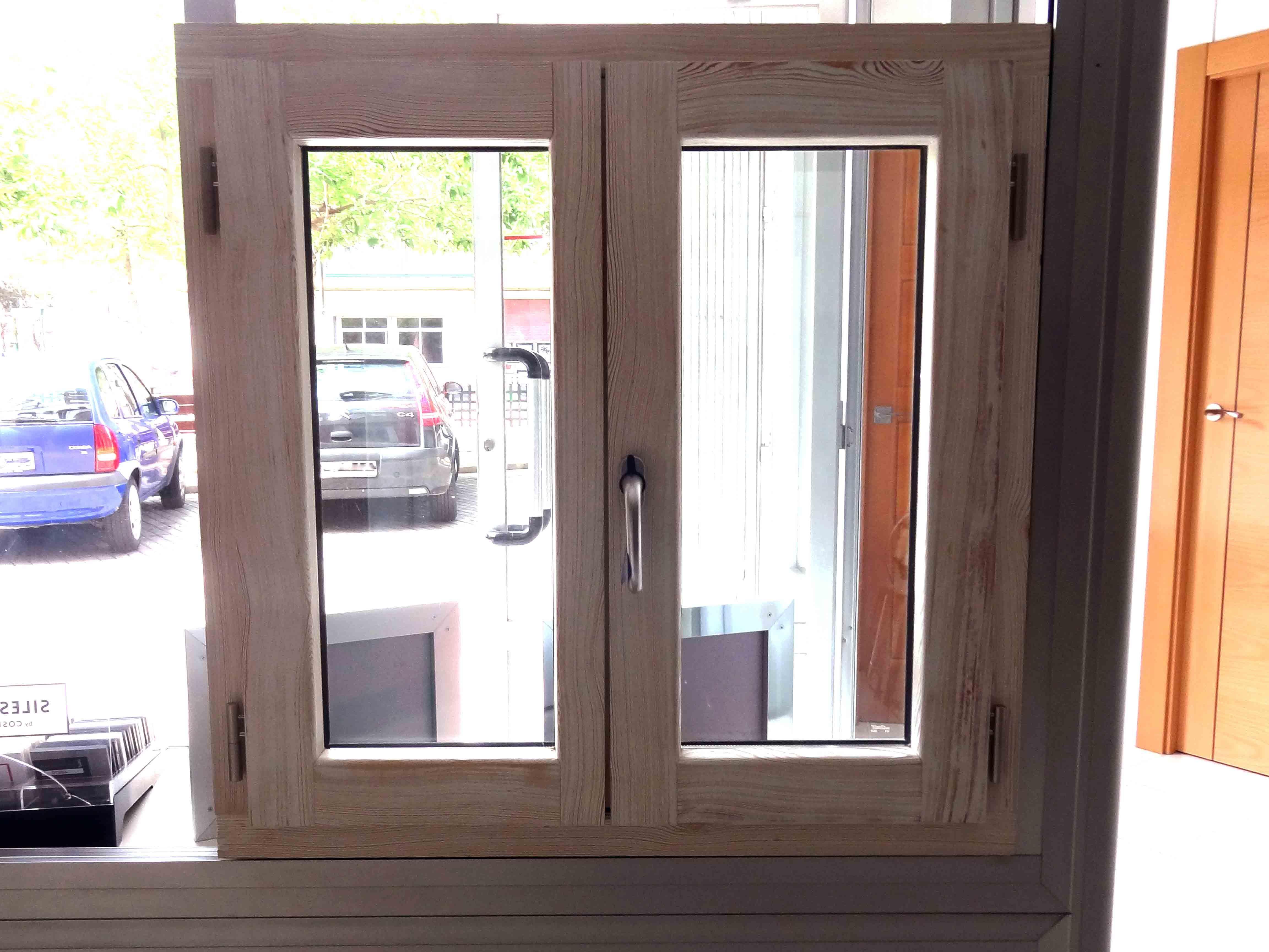 modelo ventana de madera aluminio