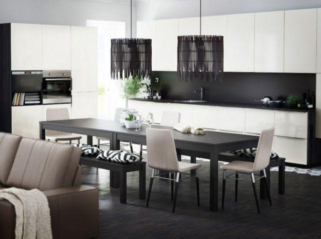 Noir Et Blanc Habillent La Cuisine House - Ikea carrelage mural cuisine pour idees de deco de cuisine