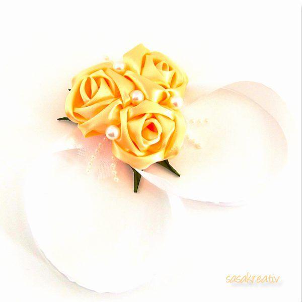 Barack színű szatén rózsás csuklódísz  a8a7b75430