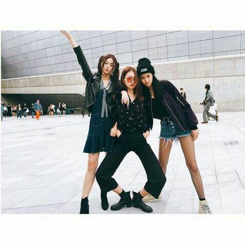 ulzzang girl yg korea friends tumblr goals  squad ◑ ✨ ~