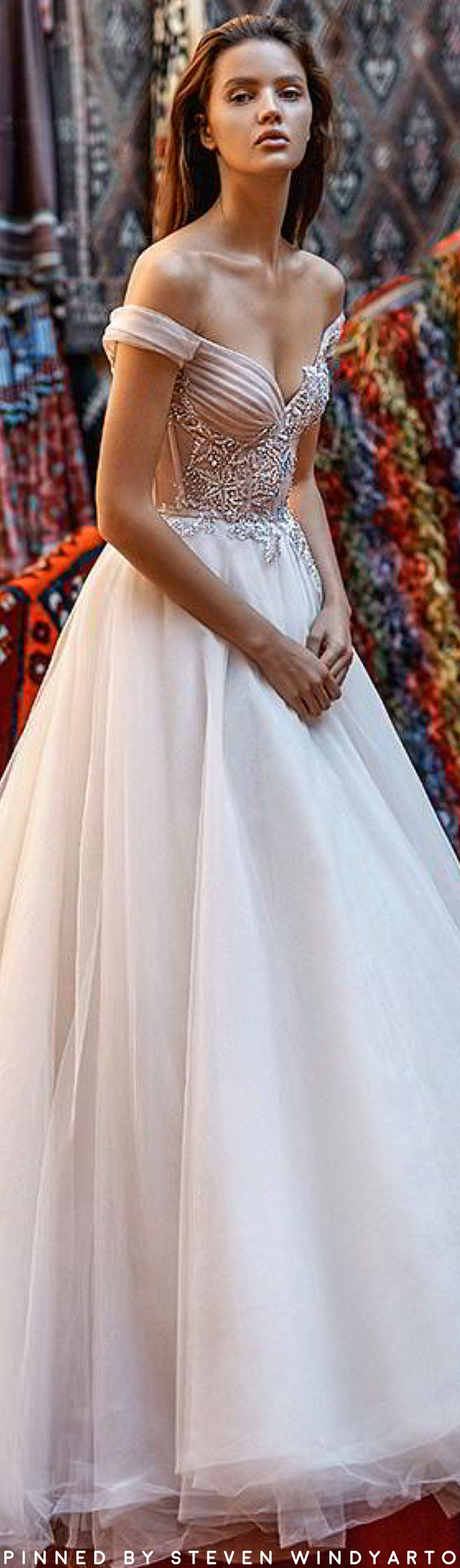 Liz martinez wedding dress  First Look Liz Martinez  ucCappadociaud Collection  Womenus