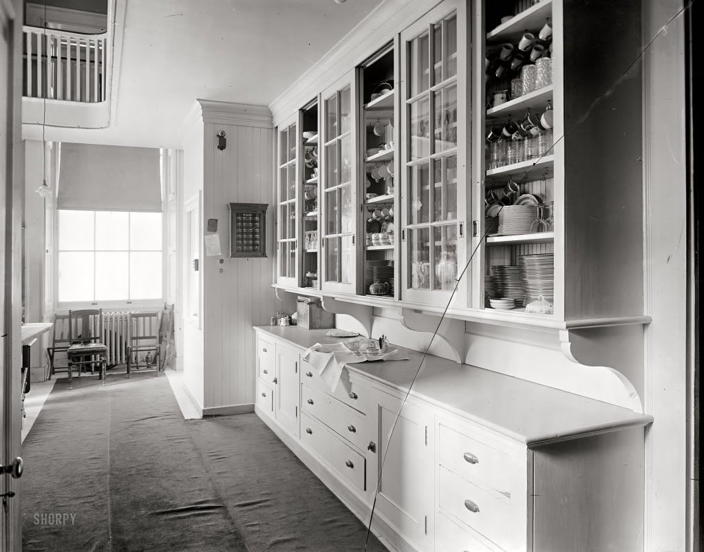 1920 Pantry Ideas View Topic 1920s 30s Butler S Pantry Pics Old House Web Forums Bungalow Kitchen Butler Pantry Craftsman Kitchen