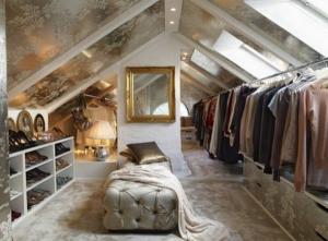 Begehbarer kleiderschrank spitzboden  Ein begehbarer Kleiderschrank im ganz großen Stil | Ideen für den ...